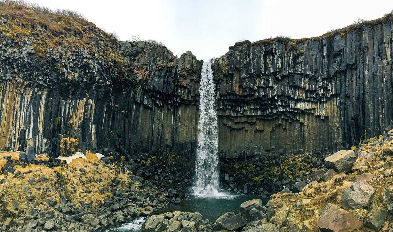 road trip en islande svartifoss cascade