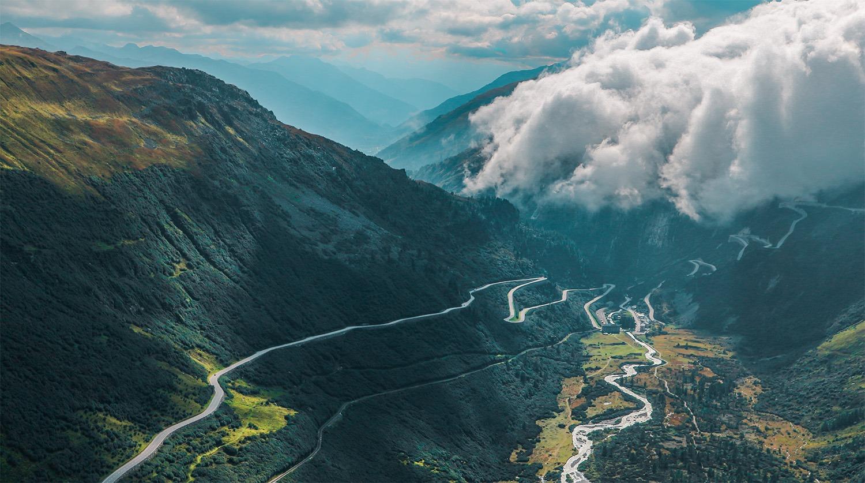 road-trip-en-suisse-vue-route-paysage