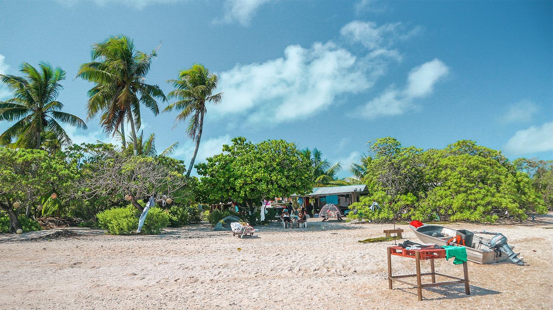 vivre sur une ile deserte campement