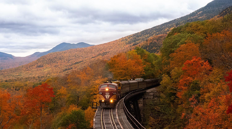 voyager en train en automne